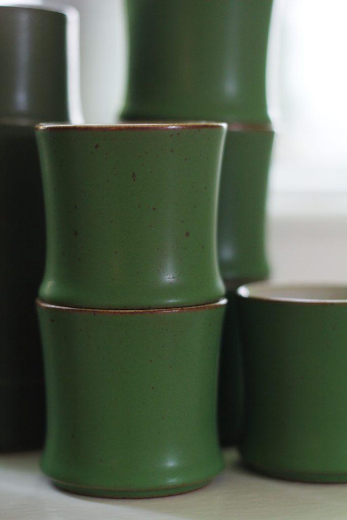 Jalokivenvihreät sake-kupit